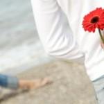 Couple-Man-Woman-Love-Flower-Gerbera-4098-jpg_121446